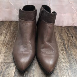 Nine West pointy brown ankle boot